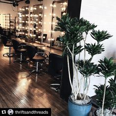 Via @thriftsandthreads ・・・ time for a hair style update w/ @cecinestpasjulia at @spokeandweal