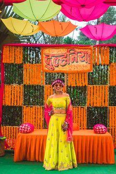 Off-Beat Indo-Western Mehendi Outfits Spotted On Real Brides! Indian Wedding Theme, Desi Wedding Decor, Wedding Stage Decorations, Wedding Mandap, Flower Decorations, Wedding Events, Wedding Cars, Wedding Ceremony, Wedding Bride