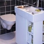 Smart-Storage-Solutions-for-Small-Bathrooms_01