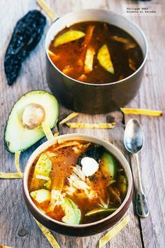 tortilla soup with chicken and avocado Mexican Cooking, Mexican Food Recipes, Soup Recipes, Vegetarian Recipes, Cooking Recipes, Healthy Recipes, Ethnic Recipes, Recipies, Mexican Dishes