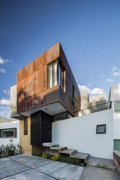 Studio House CHOI / Cubo Rojo Arquitectura