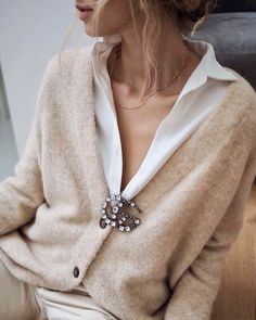 chanel pins brooch outfit Style Watch February 2019 Style Watch - Just some chic and stylish looks I'm liking today. Chanel pin on sweater, perfect. Copenhagen Street Street Style Crisp and clean Neck bling. Mode Outfits, Fashion Outfits, Womens Fashion, Fashion Trends, Ladies Fashion, Fashion Clothes, Fashion Ideas, Girl Outfits, Looks Chic