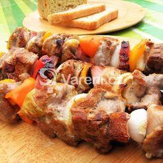 Grilované špízy z vepřové panenky recept - Vareni.cz French Toast, Pork, Meat, Breakfast, Kale Stir Fry, Beef, Morning Coffee, Pork Chops, Morning Breakfast