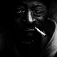 Photo by Lee Jeffries Lee Jeffries, Black And White Portraits, Black And White Photography, Manchester, Who Is My Neighbor, George Hurrell, Smoke Art, Homeless People, Interesting Faces