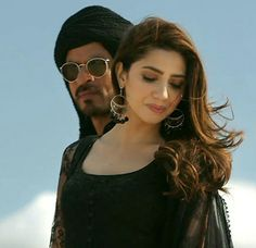 Zaalima Miya Bhai Srk and Mahira Khan Bollywood Couples, Bollywood Actors, Mahira Khan Dresses, Cute Couple Pictures, Couple Pics, Pakistan Fashion, Pakistani Actress, Indian Celebrities, Shahrukh Khan