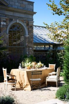 Dine in the middle of the courtyard................