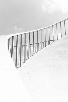 e x t e r i o r s : white by Daniel*1977, via Flickr #architecture