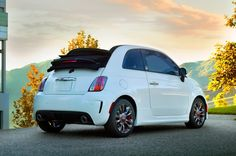 2014 Fiat 500c GQ Edition right rear side Photo