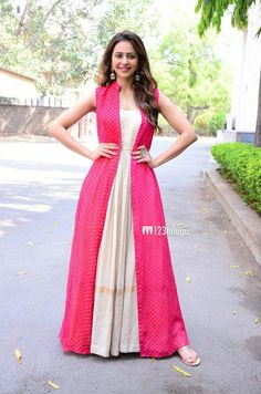 Rakul Preet Singh at Sridevi Biography Athiloka Sundari Katha Book Release. Rakul Preet launched the book on the life story of legendary actress Sridevi. Indian Fashion Dresses, Indian Gowns Dresses, Dress Indian Style, Indian Designer Outfits, Indian Outfits, Indian Wear, Long Dress Design, Stylish Dress Designs, Stylish Dresses