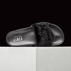 Free Shipping Slipper Puma x Rihanna Leadcat Fenty Fur Slide BLACK SIZE 6.5-8.5