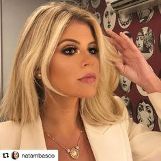 💗 #Repost @natambasco ・・・ #makeup de hoje na minha gata @lalatrussardirudge ❤️💞❤️ #nadiatambasco #make #beautiful #glow #beauty #maquiagem
