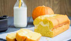 Ароматный и сочный кекс из тыквы с нежной прослойкой из творожного сыра. Тыква в в нем абсолютно не чувствуется за счет добавления цедры лимона. Ингредиент...