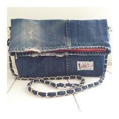 DIY treat-pouch, or fanny-pack from old jeans Look Fashion, Diy Fashion, Jean Crafts, Handmade Handbags, Recycled Denim, Denim Bag, Tote Purse, Messenger Bag, Purses And Bags