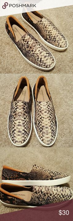 Donald J Pliner Womens Sonia Loafer sz 9.5 AbFab snake print loafer...cloth and leather trim. Sz 9.5 Great condition. Comes from pet and smoke free home. Donald J. Pliner Shoes Flats & Loafers