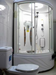 Bathroom. more information http://www.chaudoctravel.com/2011/09/hoa-binh-ii-hotel/