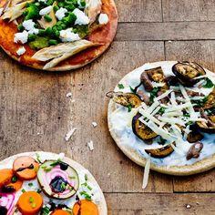 #rundvlees #runderreepjes #pizza #platbrood #libanees #aubergine #geitenkaas #kaas #oven #makkelijk #easy #yoghurt #griekseyoghurt #munt #foodandfriends #avondeten #kidsproof #diner Beef Recipes, Vegan Recipes, Family Kitchen, Recipe For Mom, Kitchen Recipes, Easy Peasy, Vegetable Pizza, Broccoli, Cooking
