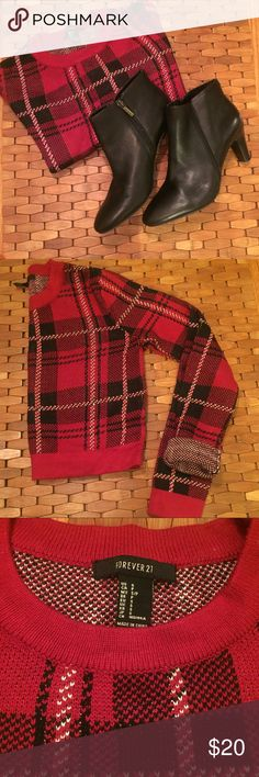 """Plaid Knit Crop Sweater Adorable plaid knit crop sweater,  long sleeve. 16"""" length Forever 21 Sweaters"""