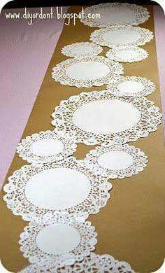 Camino de mesa hecho de papel muy censillo y creatibo