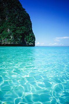 Loh Dalum Bay of Phi