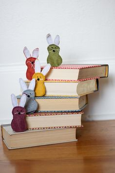felt bunny finger puppet - no link but it doesn't take a rocket scientist to figure these tooties out.