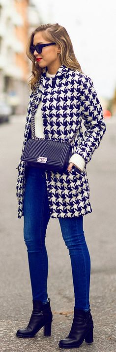 Casual Fall Kenzas Look - Houndstooth coat, knitted sweater, jeans & boots.