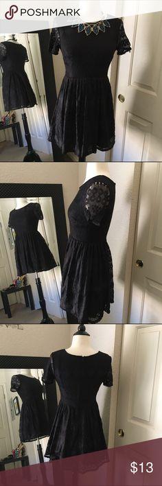 Preowned Black Lace Dress Excellent condition Dresses