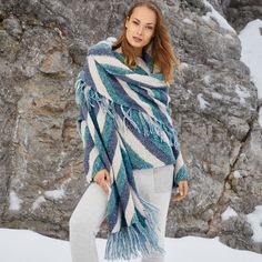 Джемпер и шарф в диагональную полоску