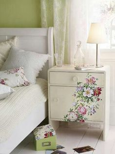 Mod podge flowers. For the pioneer woman's dresser.