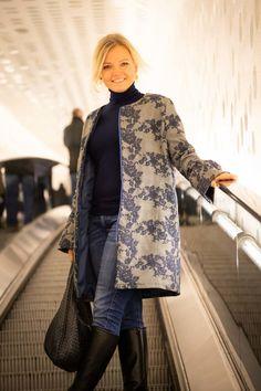 Our new, chic coat cut Helsinki - Pech & Schwef .- Our new, stylish coat cut Helsinki – Pech & Schwefel Helsinki, Stylish Coat, Stylish Outfits, Stylish Clothes, Hijab Fashion, Fashion Dresses, Fashion Tips, Oversize Mantel, Textiles
