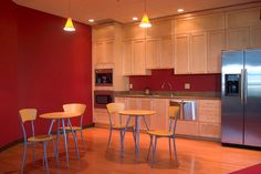 This Kitchen set up! Maximizing use of one wall. Red and beige colors.