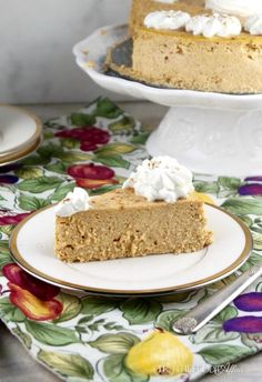 Low carb pumpkin cheesecake made with homemade pumpkin pie spices, pumpkin puree and ricotta cheese! This keto pumpkin cheesecake is only 6 carbs per slice. Homemade Pumpkin Pie, Pumpkin Recipes, Pumpkin Spice, Pumpkin Puree, Cheese Pumpkin, Low Carb Deserts, Low Carb Sweets, Diabetic Sweets, Almond Recipes