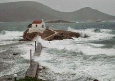 Agios Isidoros Leros just beautiful! Santorini Villas, Myconos, Greek House, Us Sailing, Crete Greece, Greek Islands, Greece Travel, Places To See, Travel Inspiration