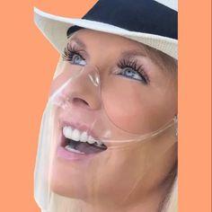Masque transparent, anti buée, confortable, élégant, communication et sourire visible Deep Treatment Mask, Diy Hair Mask, Cool Photos, Amazing Photos, North Beach, Storm Clouds, Transparent, Most Beautiful, Visible