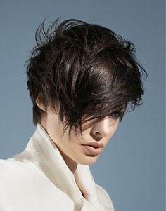 As pixie hairstyles are in trend so almost everyone wants it but they also want a unique look. In this article, you will find 25 Best Pixie Cuts. Short Hairstyles 2015, Stylish Short Haircuts, Urban Hairstyles, Cool Hairstyles, Hairstyles Haircuts, Brown Straight Hair, Short Dark Hair, Short Hair Cuts, Short Hair Styles