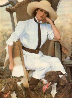 Campaign: Ralph Lauren Season: Spring 1984 Photographer: Bruce Weber Model(s): Clotilde Safari never goes out of style! Bruce Weber, Mode Safari, Safari Chic, Looks Chic, Looks Style, Vintage Outfits, Vintage Fashion, Vintage Vogue, Style Board