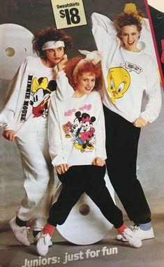80s Fashion Party, Retro Fashion, 80s Shoes, 80s Costume, Keds Champion, 80s Outfit, Disney Sweatshirts, Retro Chic, Athletic Wear