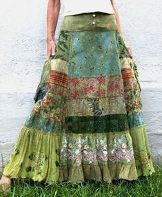Do you love somebody?cxrDo you love somebody?cxrHippie-Hippie-Chic Bohème-Vibe-Zigeuner-Mode-Indie-Folk-Look Gypsy Style, Boho Gypsy, Bohemian Style, Hippie Boho, Vintage Bohemian, Sewing Clothes, Diy Clothes, Clothes Patterns, Sewing Patterns