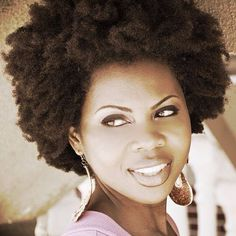 Sonia looking gorge with her fro last week for #FierceFroFriday #naturalhair #afro #kinkyhair #afrokinkyhair #afrotexturedhair #teamnatural #naturalhaircommunity #naturalista #naturalbeauty #blackhair #blackbeauty #islandnaturals #Padgram