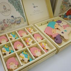 Little Twin Stars macarons by Le Sucre Du Patisserie - So cute!! ♥