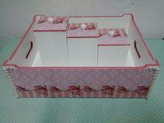 Kit de bebê acompanha bandeja e trio de pote. Faço em qualquer cor e modelo.