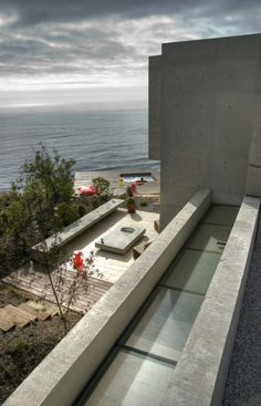 Cantagua House by Daniela Uribe Architects entrance view to jacuzzi Cantagua House by Daniela Uribe Architects