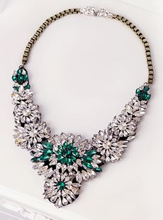 2013 Fall collection. Luxury Vintage style Green and White crystal statement Necklace