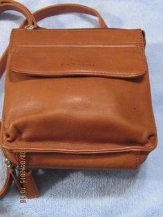 "Fossil Tan Leather Shoulder Bag/Purse  8"" H X 7"" W X 3"" D - 52"" Shoulder Strap #Fossil #ShoulderBag"