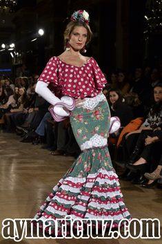 Manuela Macías We Love Flamenc 2016 19 Spanish Fashion, Fishtail, Fashion Sketches, Our Love, Simply Beautiful, Fashion Dresses, Fabric, Pretty, Womens Fashion