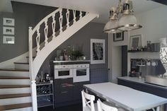 love the staircase and colour scheme
