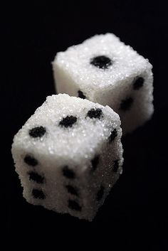 Sugar cube dice that could be created with edible pens could do rice cubes, with nori spots. Bunco Party, Vegas Party, Miele Coffee Machine, Coffee Withdrawal, Sugar Cubes, Casino Theme Parties, Casino Party, Food Art, Decir No