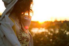 The setting sun, heartbroken people in the world. ╭(╯^╰)╮