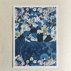 """83 gilla-markeringar, 5 kommentarer - Ulrika Gustafsson (@plingsulli) på Instagram: """"Poster """"Under trädet"""" finns i min butik. Länk i profilen. #poster #inredning #flowers #plingsulli…"""""""