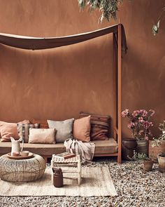 Hot Summer Terracota: Terracotta it's a warm, creamy, natural, rich, full-bodied color and it can complement many interior design styles. Color Terracota, Warm Colors, Colorful Interiors, House Colors, Interior Inspiration, Color Inspiration, Home And Living, Living Spaces, Living Rooms