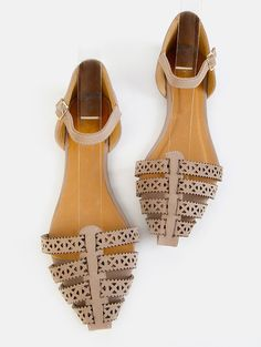 Online shopping for Pointy Toe Cut Out Flats TAUPE from a great selection of women's fashion clothing & more at MakeMeChic.COM.